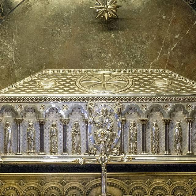 Los restos de Santiago Apóstol en duda