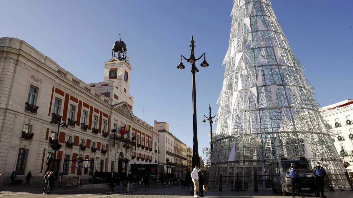 La Puerta Del Sol Despedirá Vacía Un Aciago 2020