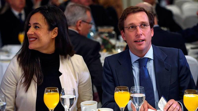 Almeida y Villacís, en un desayuno informativo en Madrid