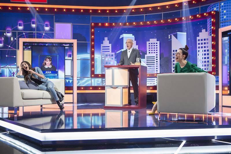 Sigue ahora la emisión en directo, con Ana Guerra y Raquel Sánchez Silva