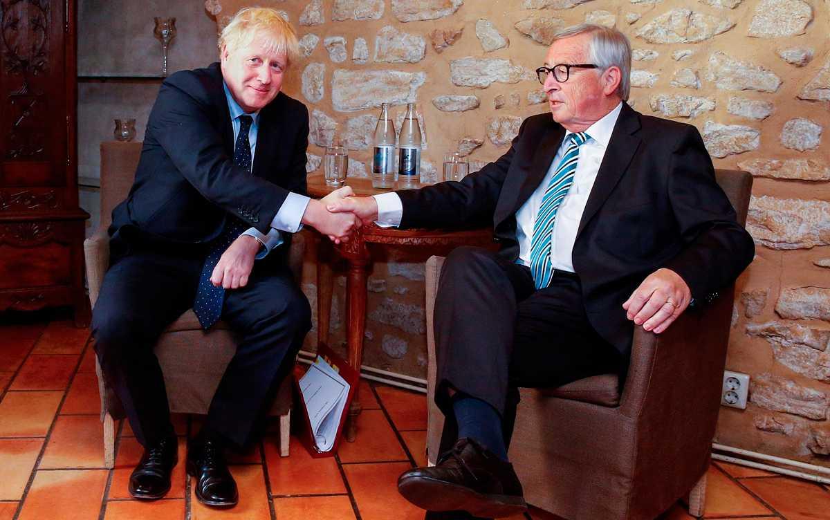 """Juncker dice que """"es posible"""" un 'Brexit' con acuerdo tras las propuestas británicas para la frontera irlandesa"""