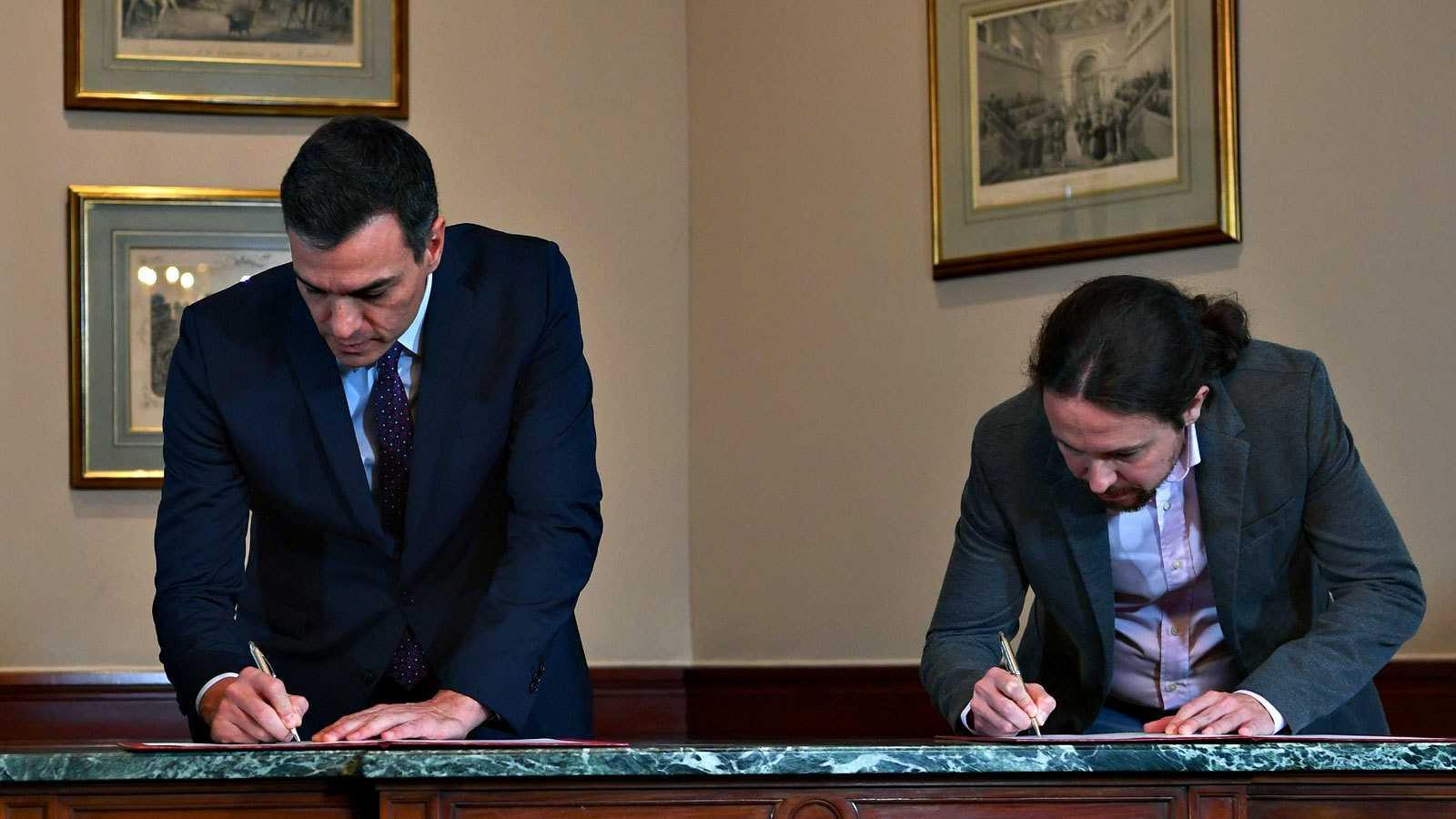 Pedro Sánchez y Pablo Iglesias firman el preacuerdo para un gobierno de coalición