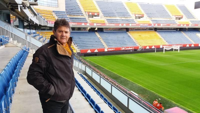 El exfutbolista Manolo Botubot, en su 'casa' del Ramón de Carranza.