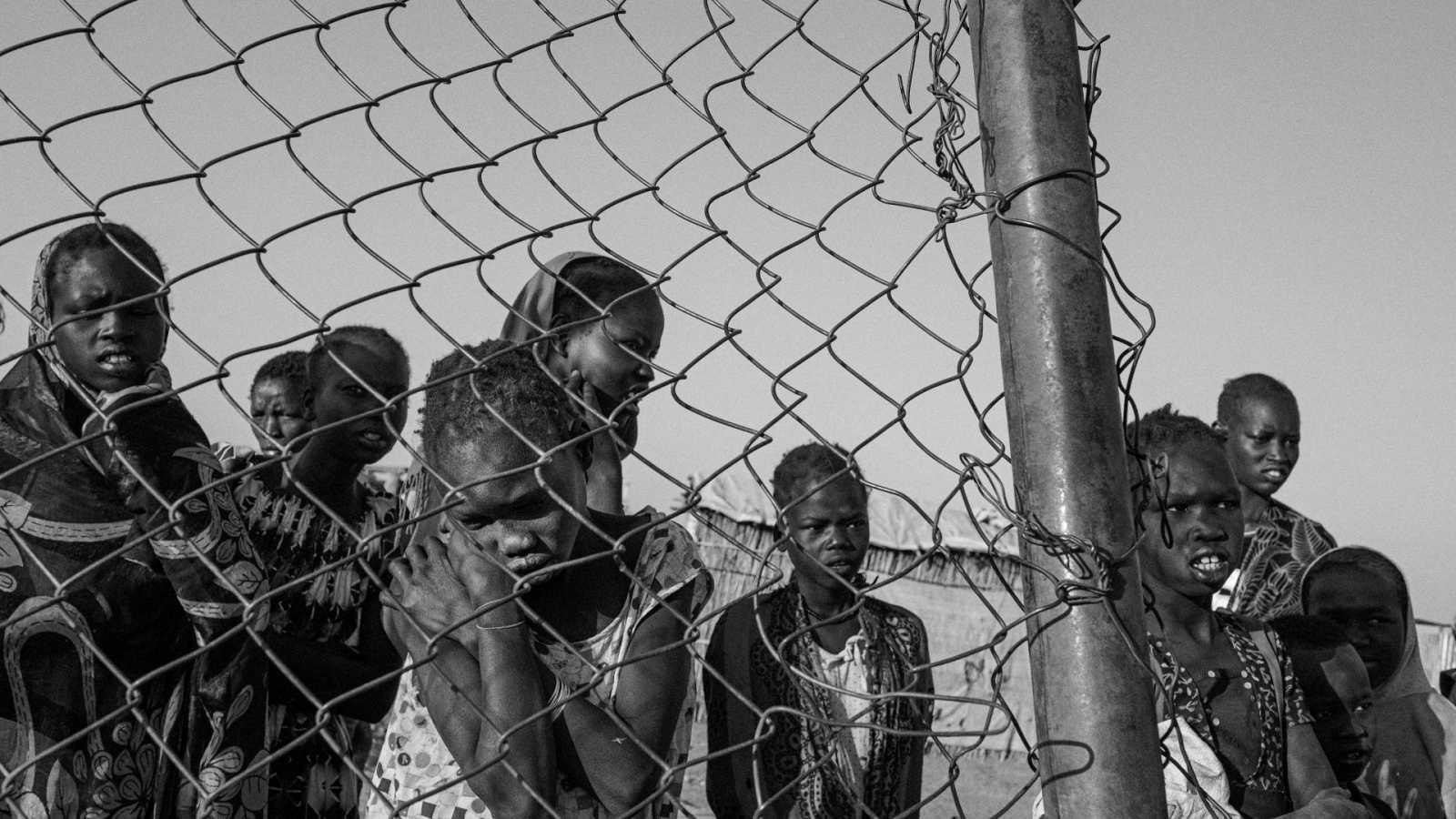 Niñas dentro del campo de desplazados de Bentiu, en Sudán del Sur