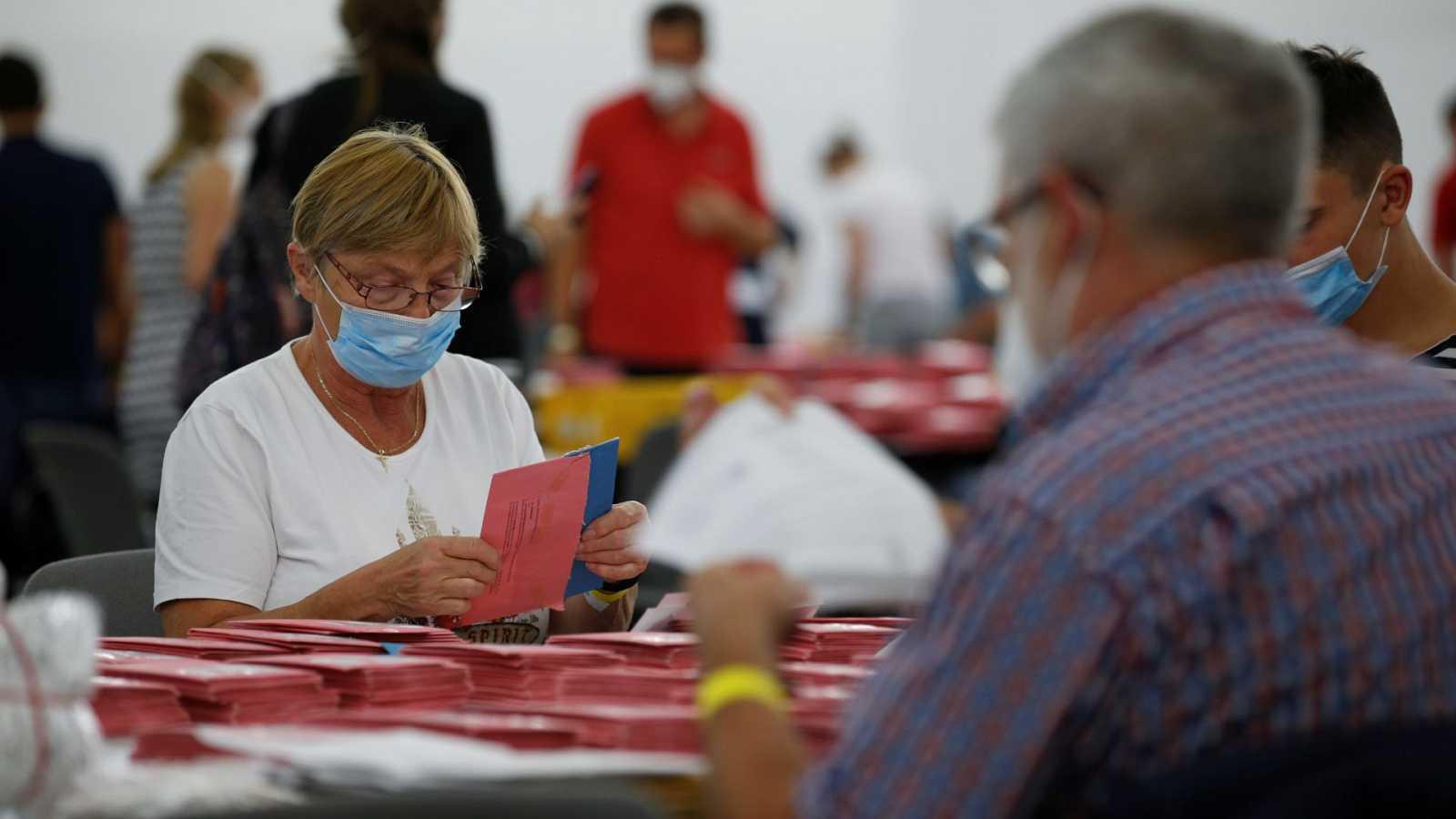 Los socialdemócratas y los conservadores empatan en las elecciones alemanas, según los primeros resultados