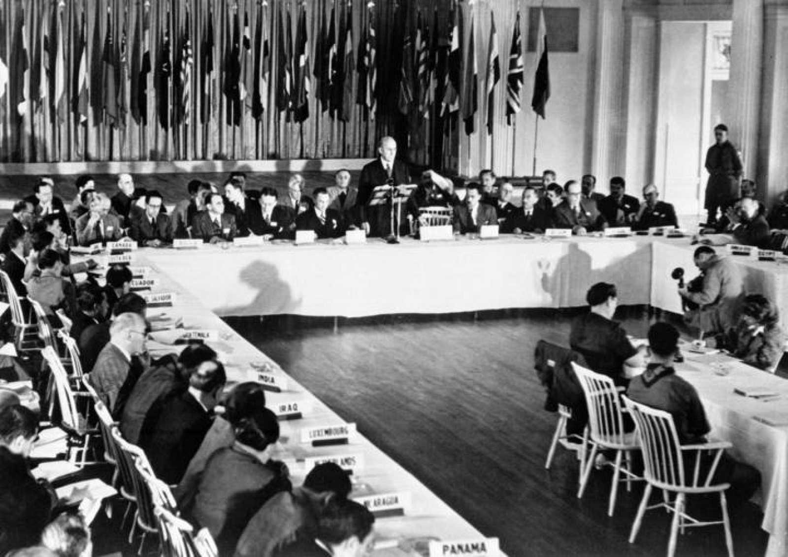 Una imagen de la Conferencia de Breton Woods donde se negoció el final del patrón oro