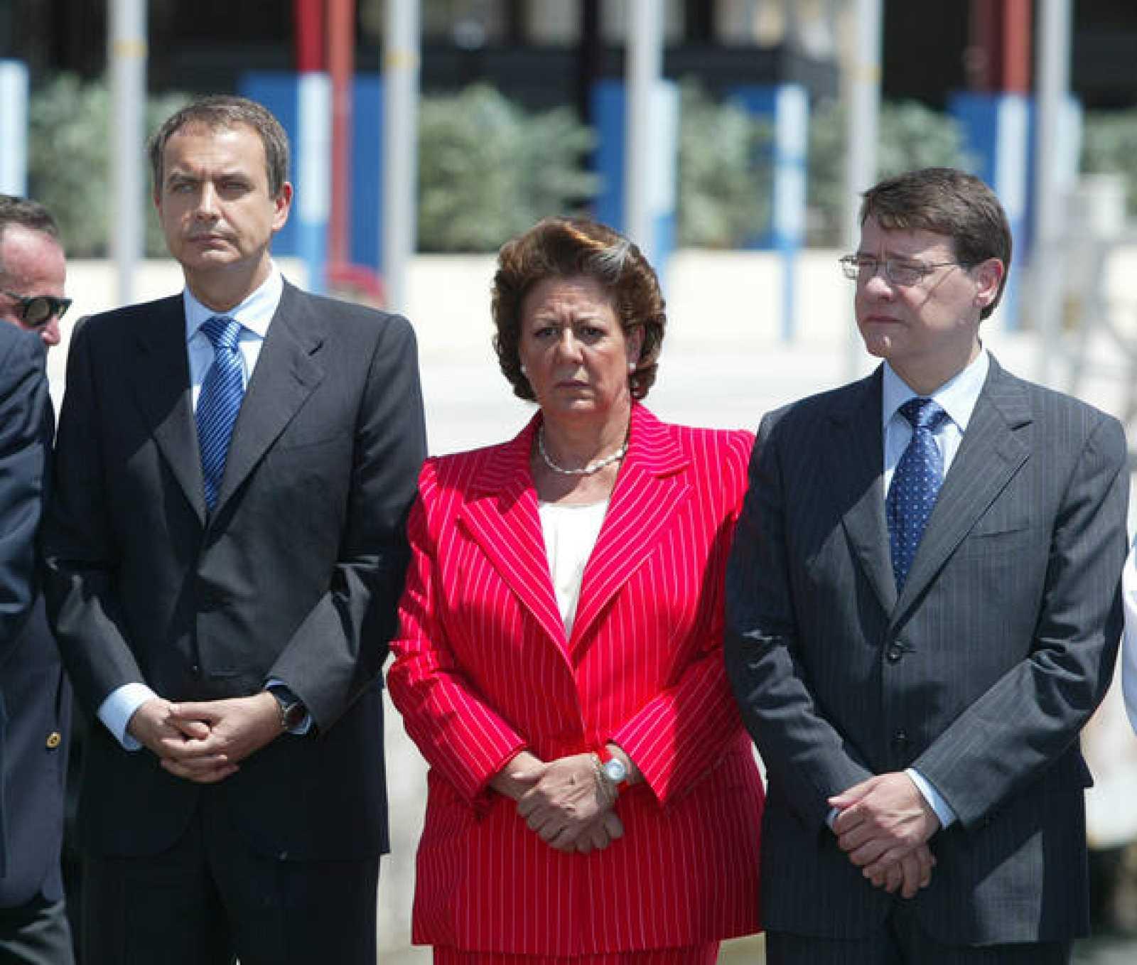 Jordi Sevilla junto a Zapatero y Barberá
