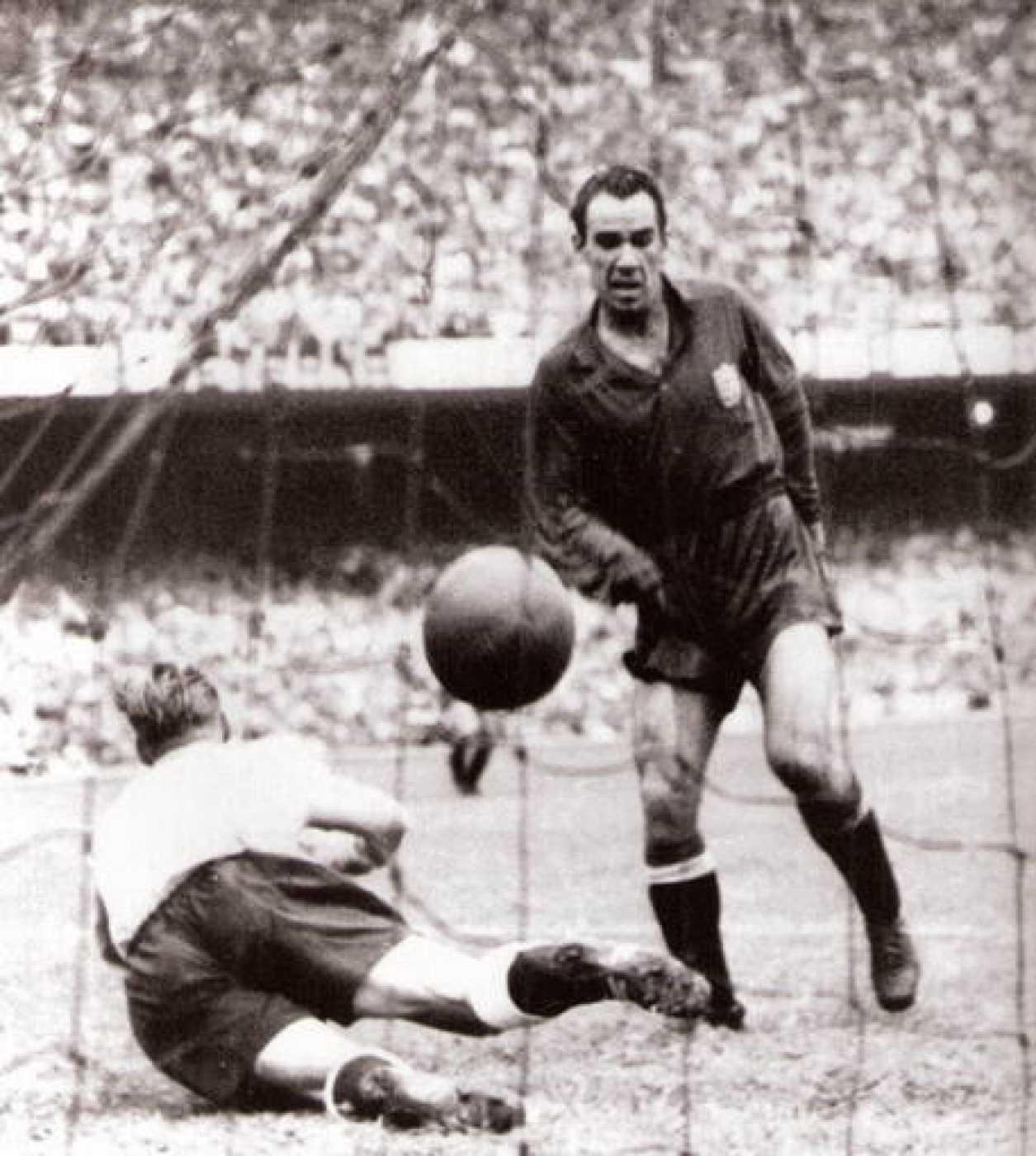 Imagen del mítico gol de Zarra ante Inglaterra en Maracaná.
