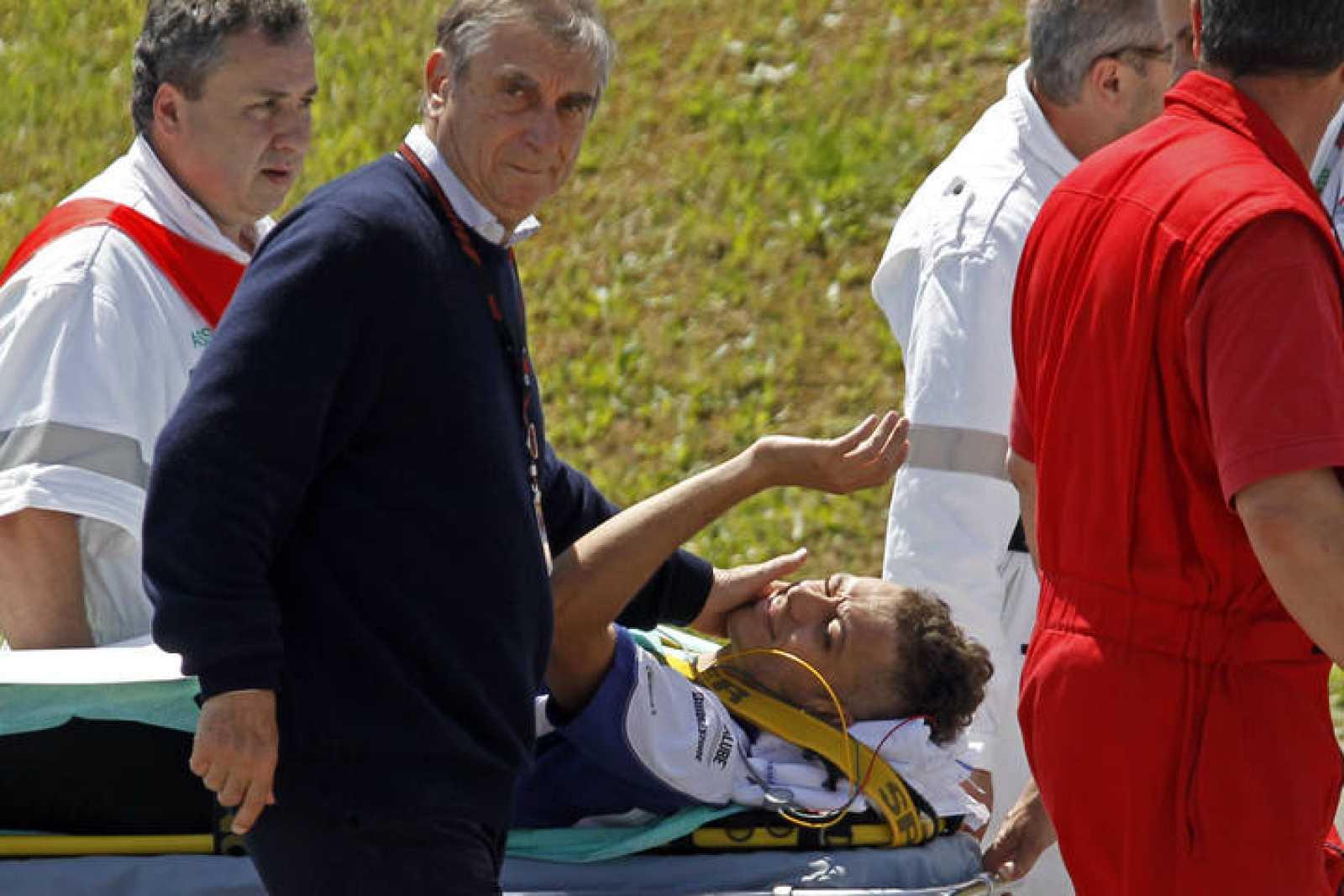 Rossi aún tuvo ánimos de saludar a sus fans.