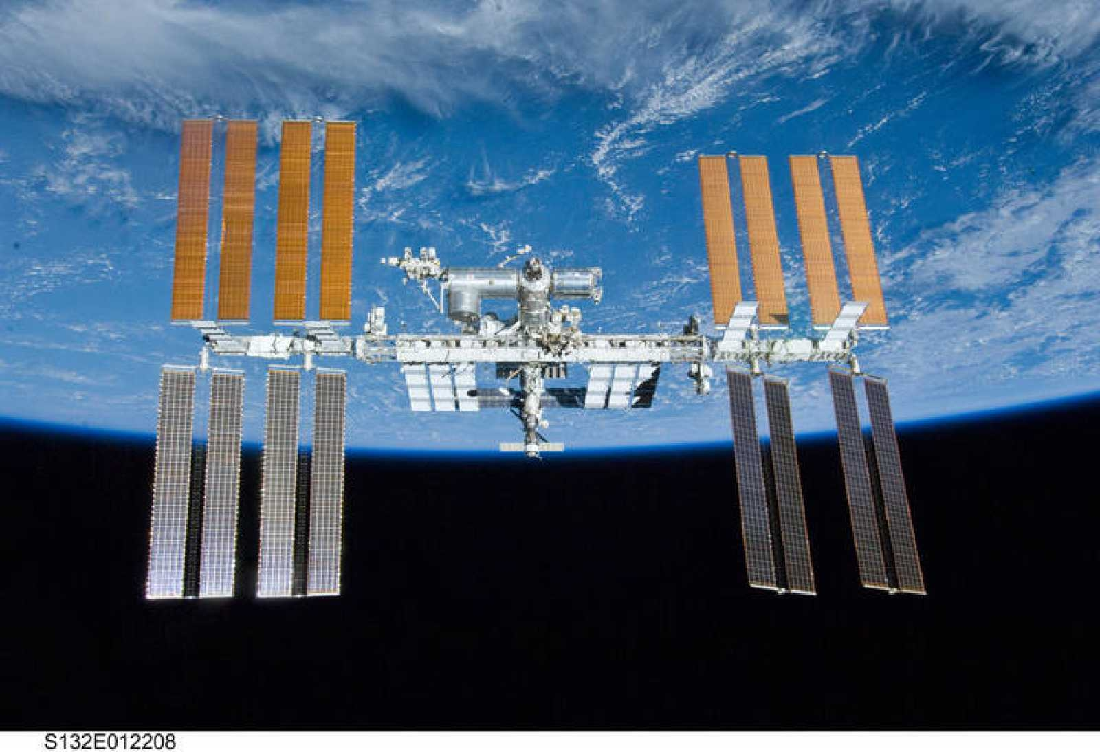 La Estación Espacial Internacional en su configuración actual, tras la visita del Atlantis en la misión STS-132 en mayo de 2010