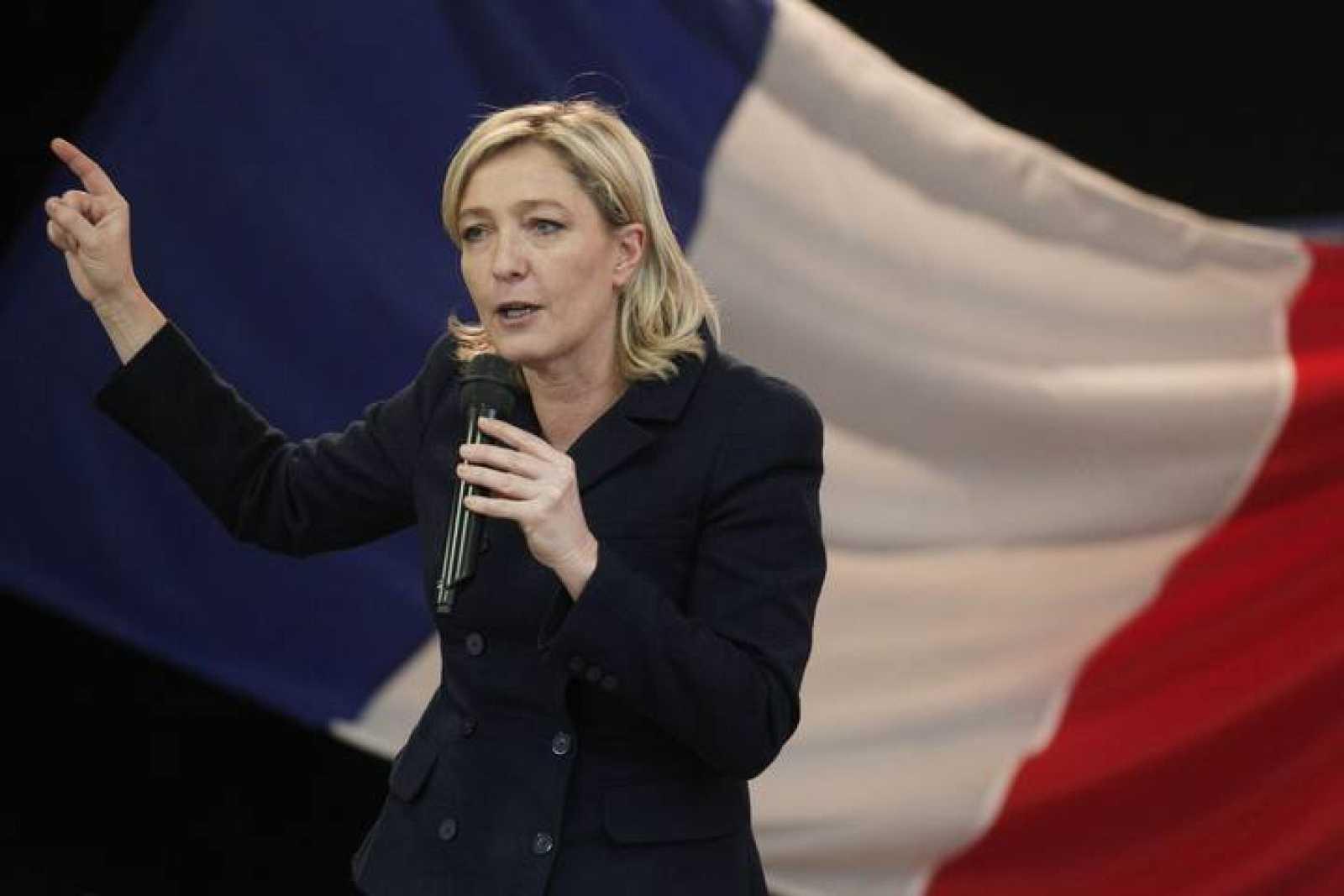 Marine Le Pen durante un acto de campaña de su partido