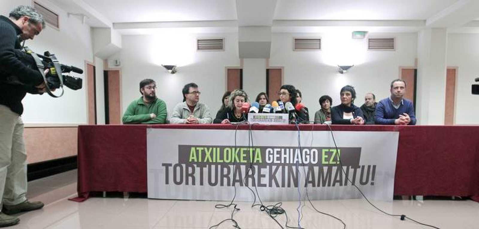 """EA, Aralar y Alternatiba exigen al Gobierno acabar con las detenciones """"políticas"""" de presuntos terroristas."""