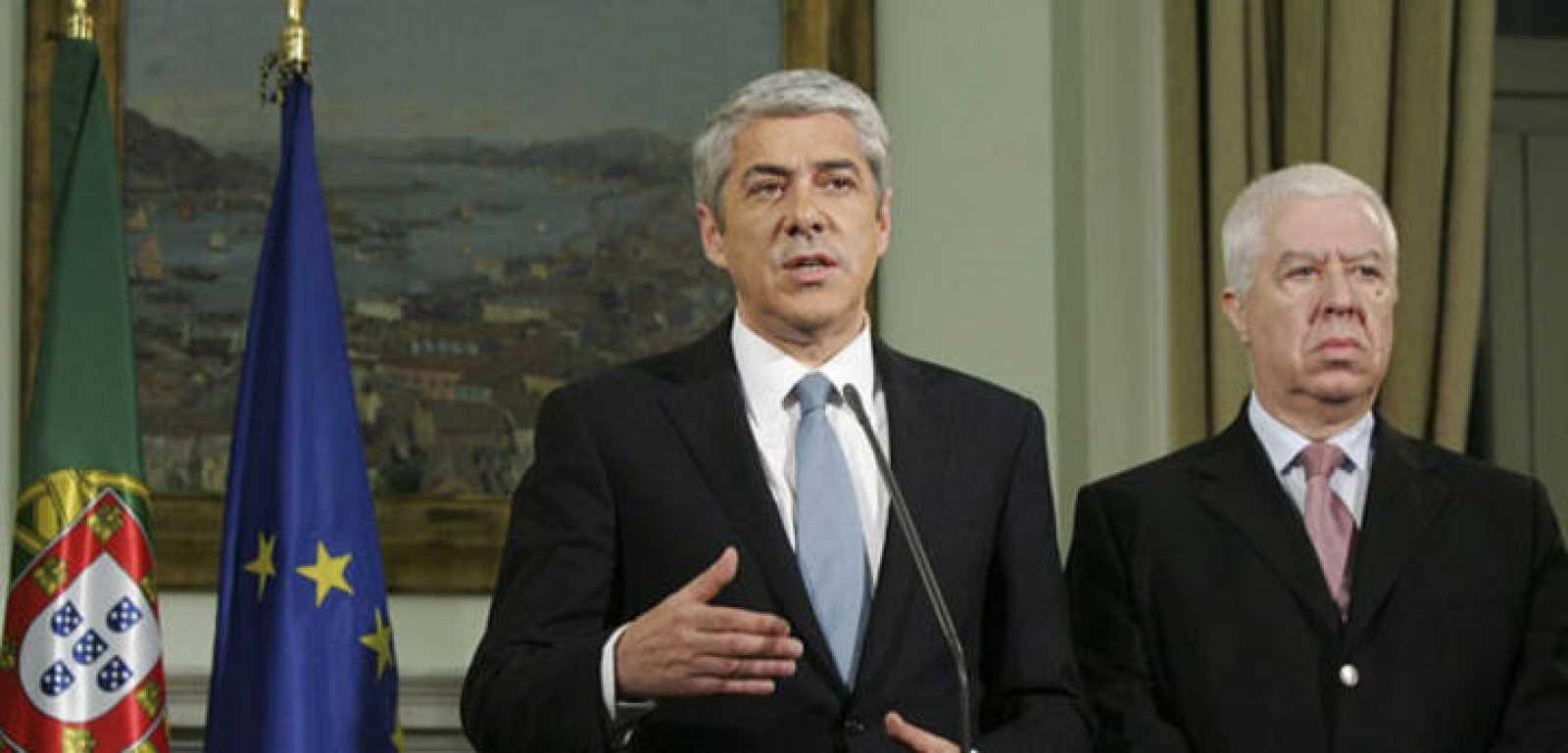"""El primer ministro luso, José Sócrates anuncia un """"buen acuerdo"""" con la troika"""