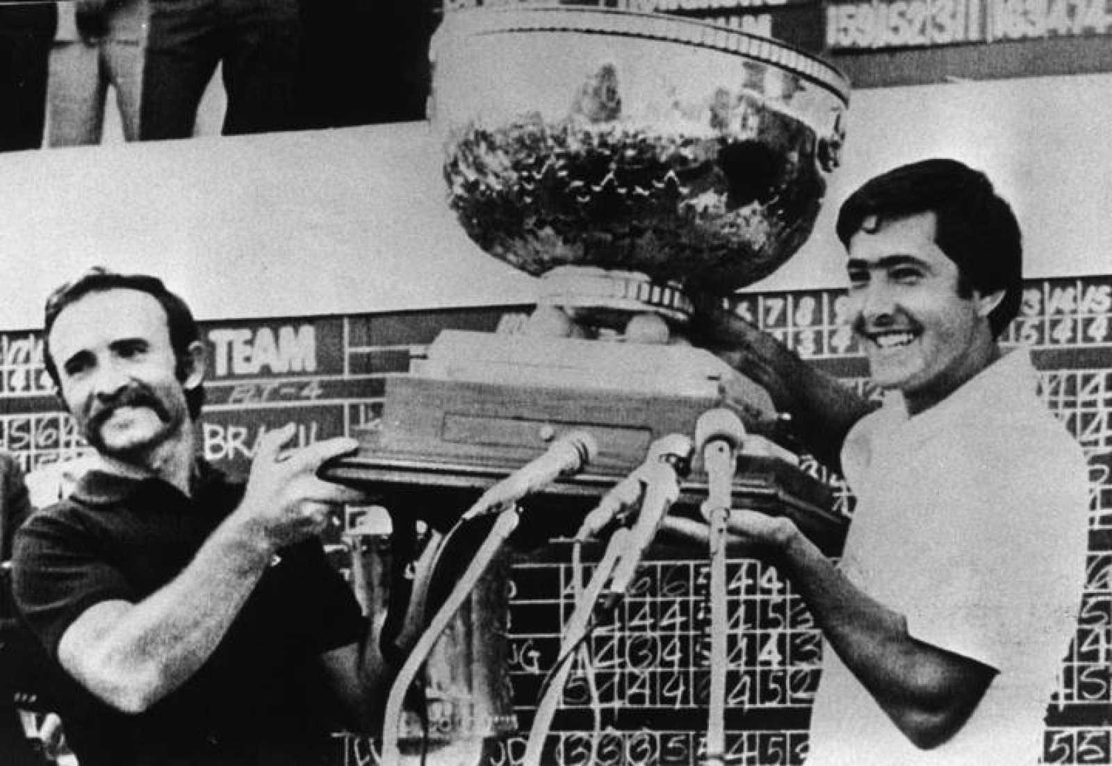 En 1977, Severiano Ballesteros comienza a disfrutar de gran fama en Estados Unidos y Gran Bretaña, gracias a sus victorias en la Copa del Mundo, con Antonio Garrido.