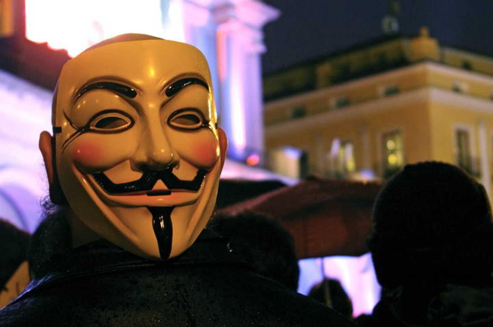 La venta de máscaras de Guy Fawkes también contribuye con los ingresos de Time Warner