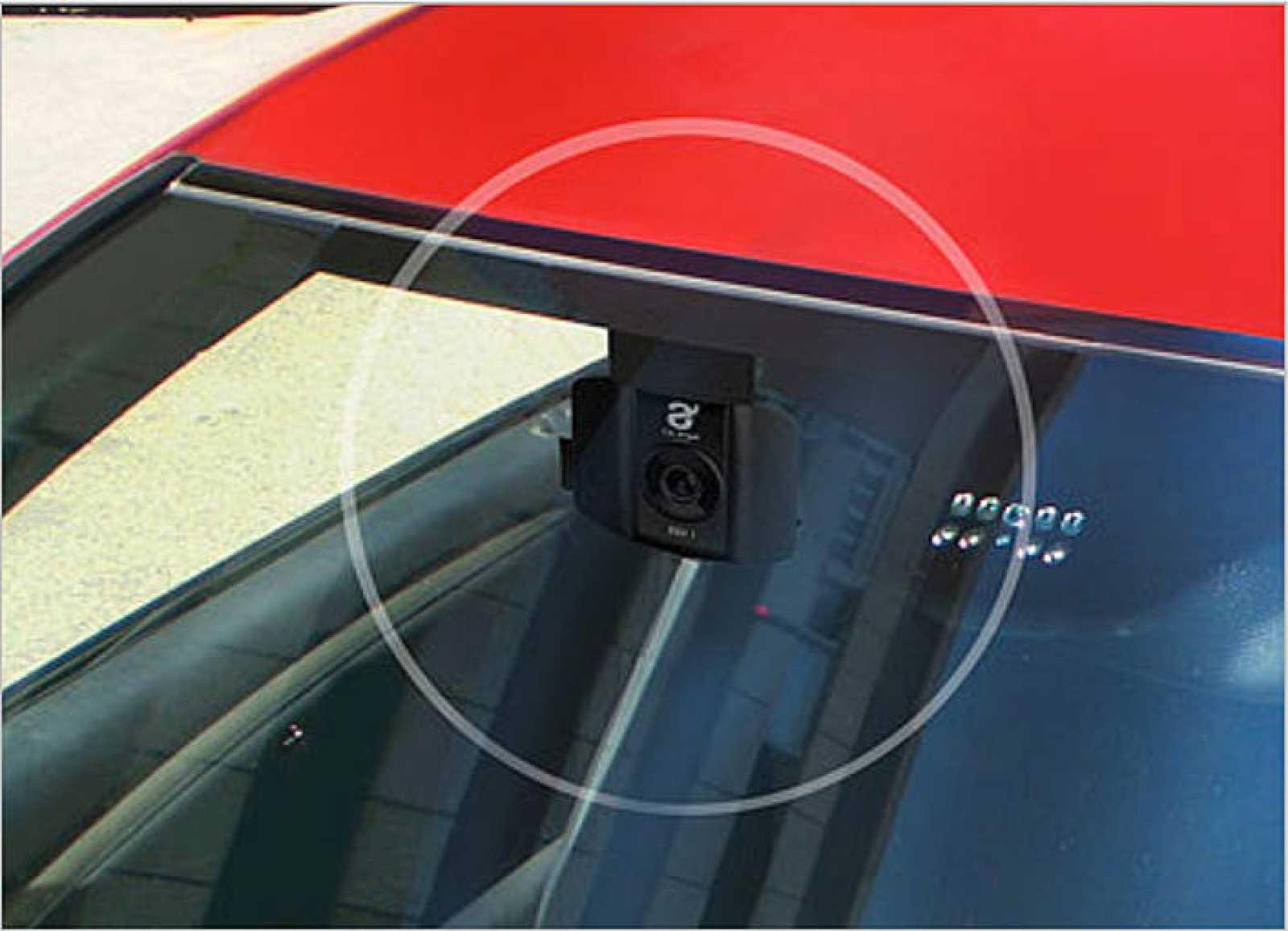Cajas negras para automóviles: ángeles de la guarda tras el parabrisas