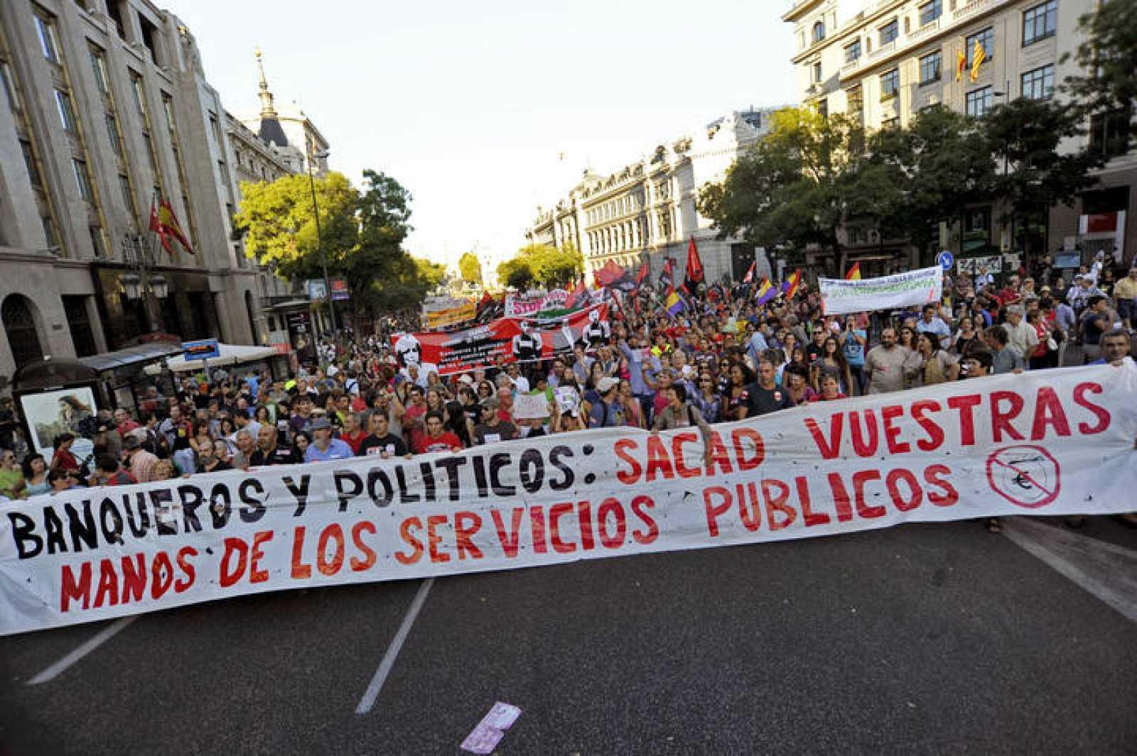 Manifestación contra la privatización de los servicios públicos en Madrid