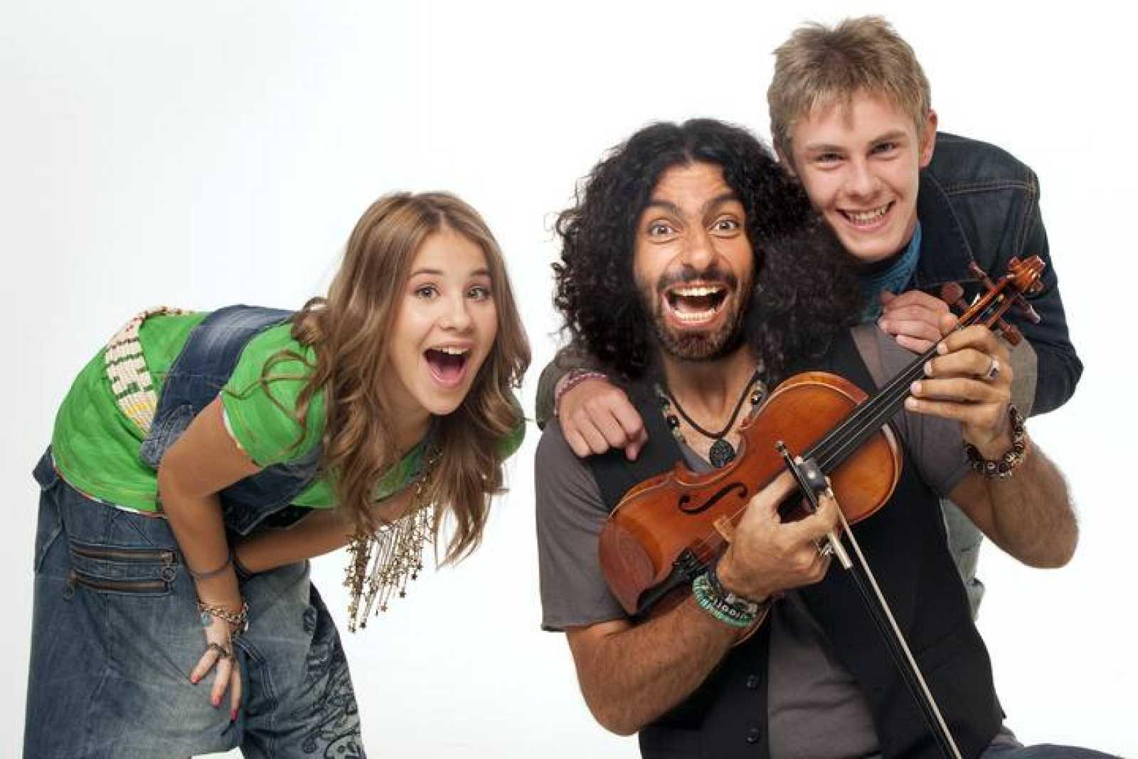 Lucía, Ara y Patrick, presentadores de 'Pizzicato'