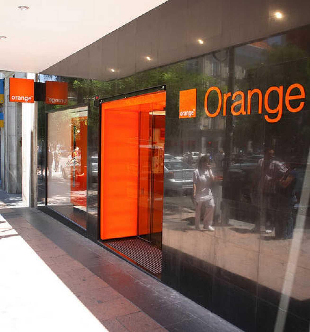 Orange mantendrá su política de subvención de móviles