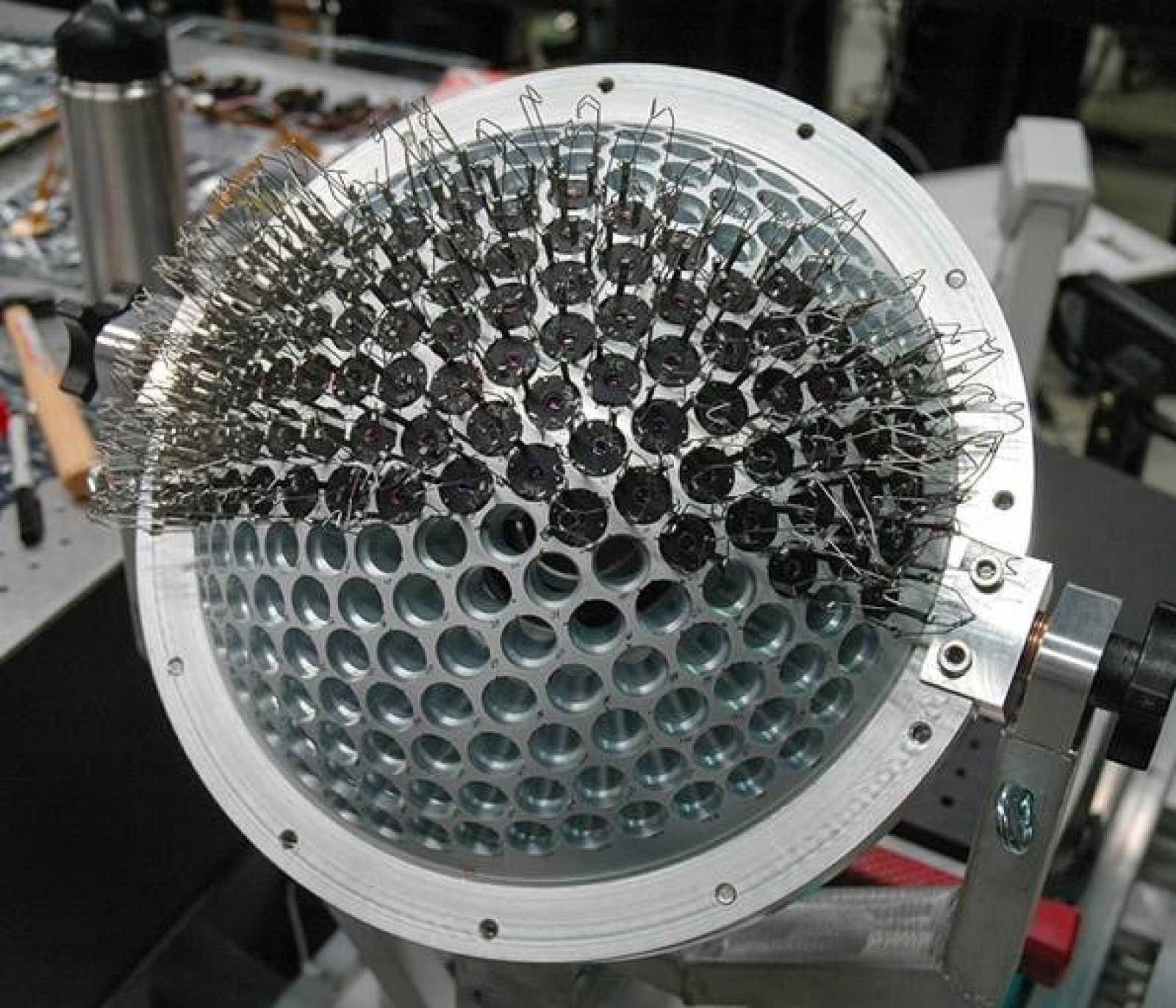 Este es el aspecto de la esfera que contiene los sensores fotográficos de la cámara Aware-2.