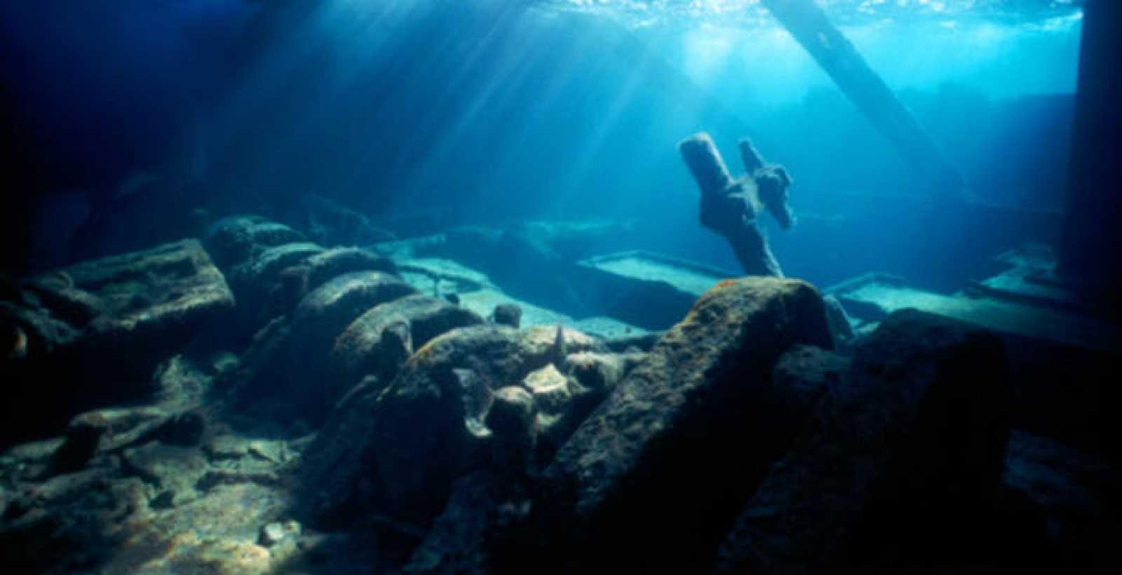 Restos del naufragio de un buque. El descubierto en Tonga en de principios del siglo XIX