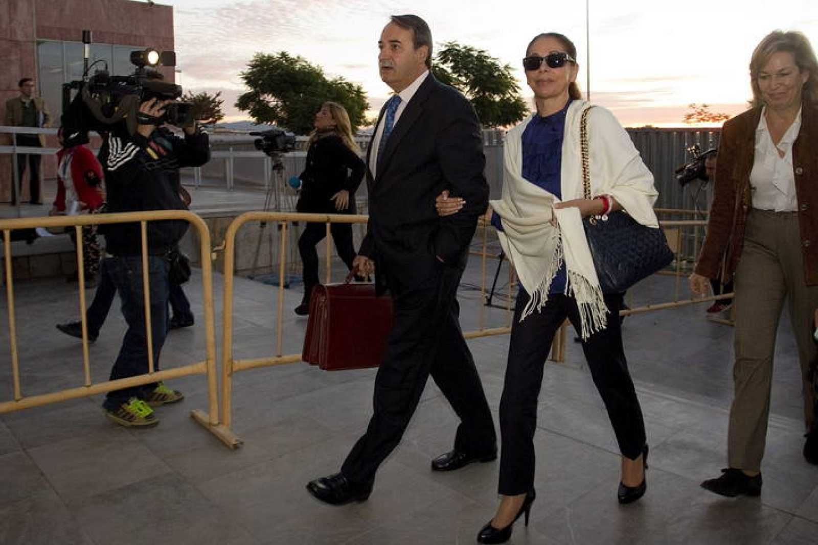 Isabel Pantoja, a su llegada a la Audiencia Provincial de Málaga en una foto de archivo