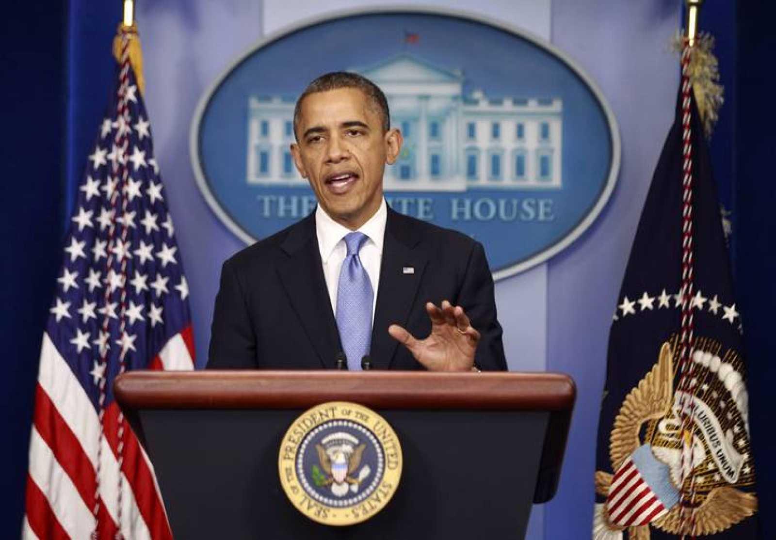El presidente de EE.UU., Barack Obama, dirige un discurso a la nación para informar del huracán 'Sandy'.
