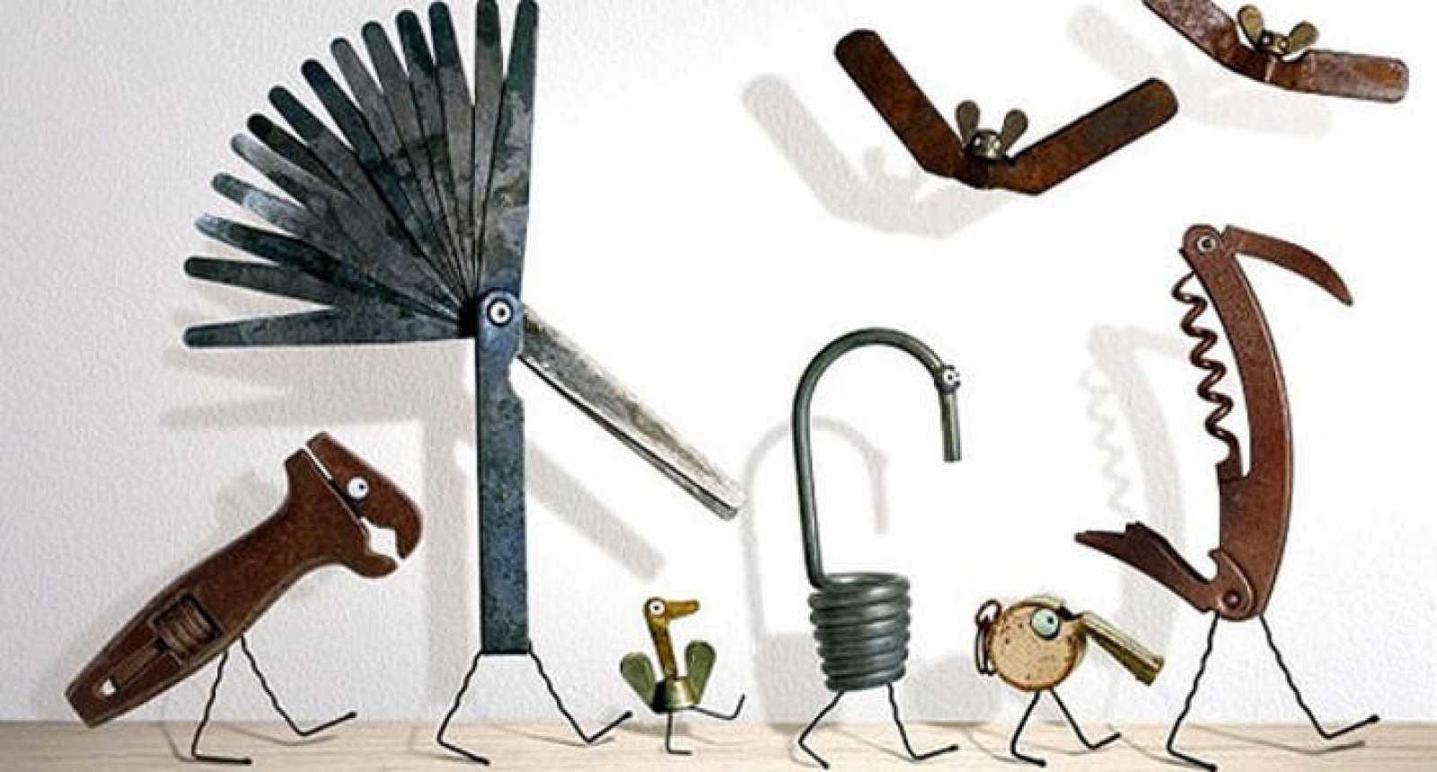 Objetos cotidianos convertidos en animales por Gilbert Legrand