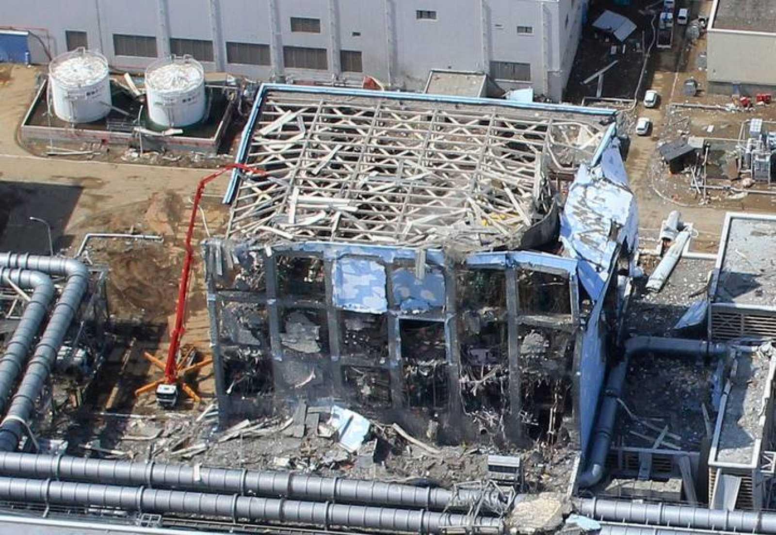 Vista aérea de la central de Fukushima Daiichi, tomada el 24 de marzo