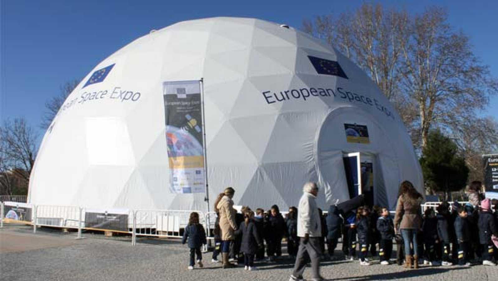 Exterior de la exposición Eurpean Space en la Explanada del Rey (Madrid)
