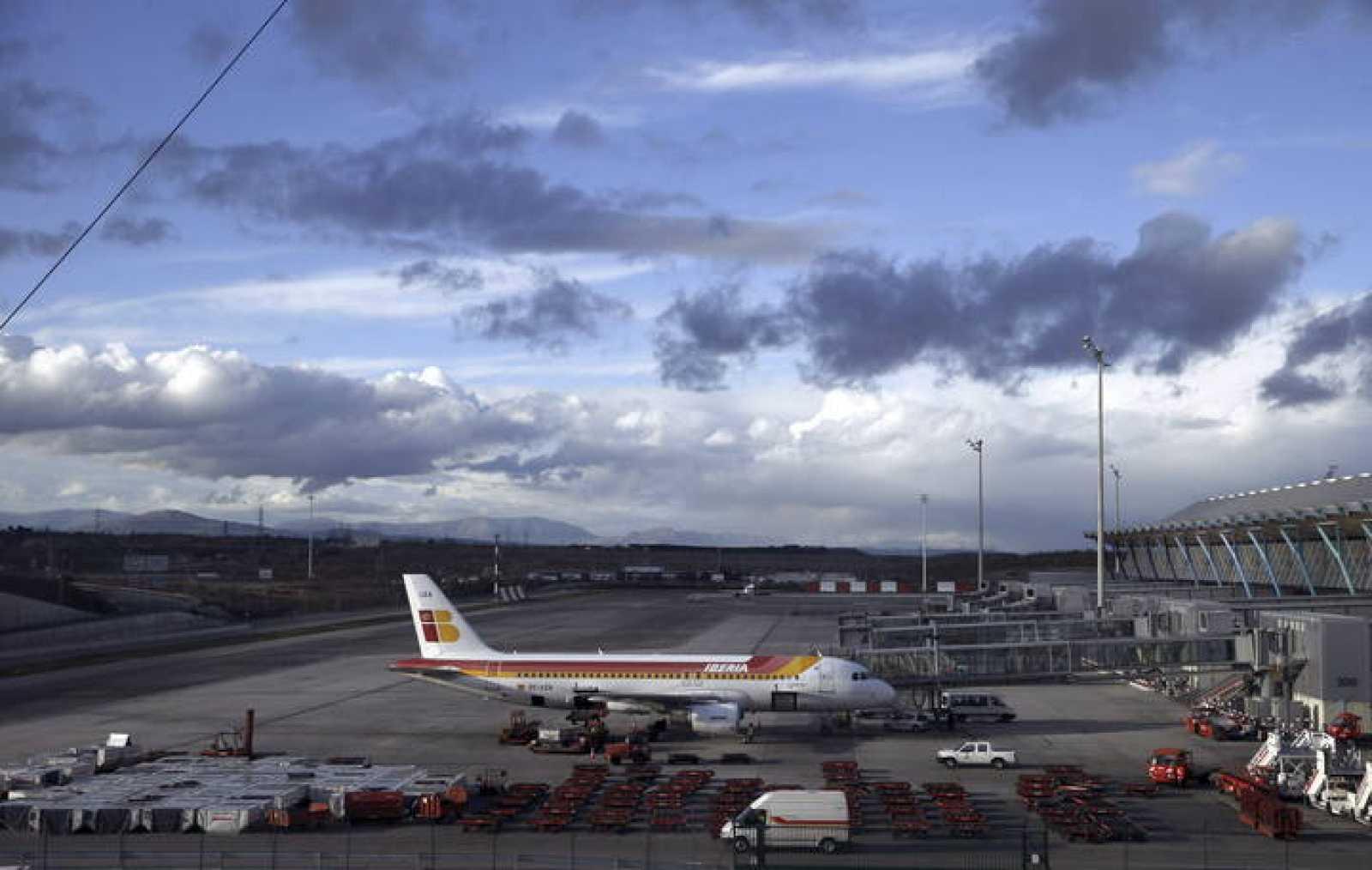 Vista del exterior de la Terminal T4 del aeropuerto de Madrid-Barajas