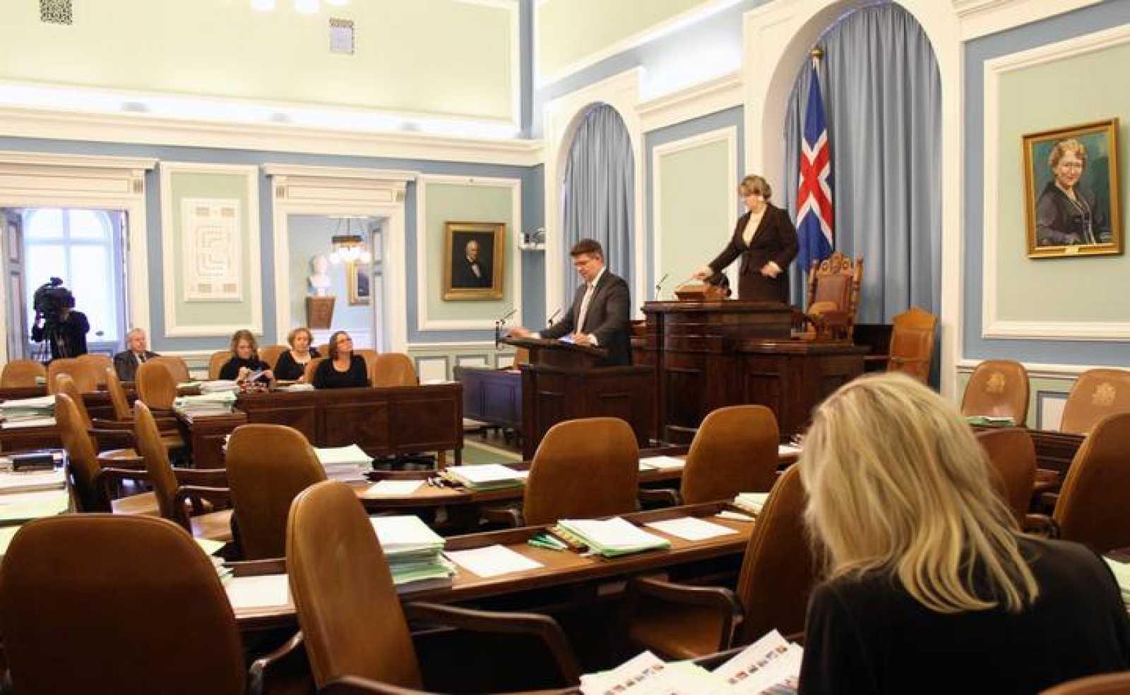 El Parlamento debatiendo sobre el borrador de la Constitución islandesa.
