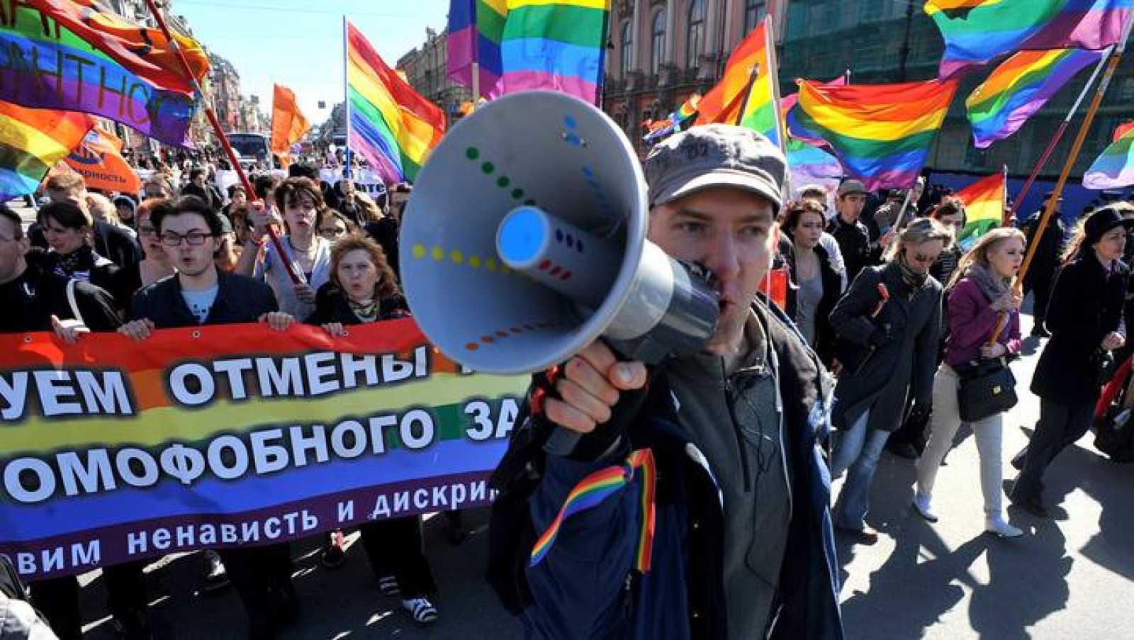 Marcha contra la homofobia en Rusia
