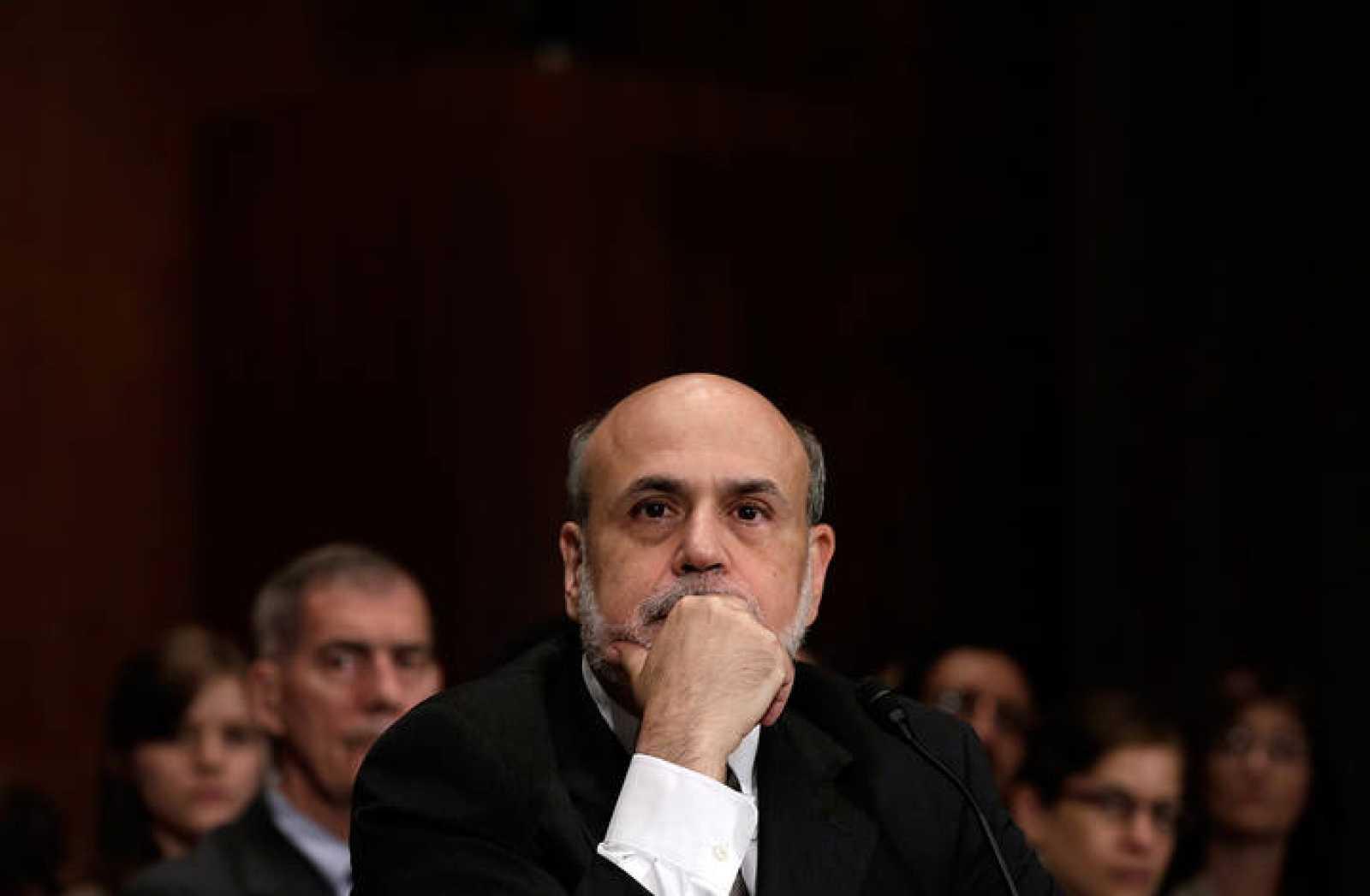El presidente de la Reserva Federal Ben Bernanke en el Senado