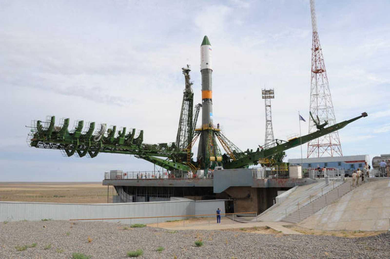 La Progress M-20M sobre el Soyuz-U que la lanzará