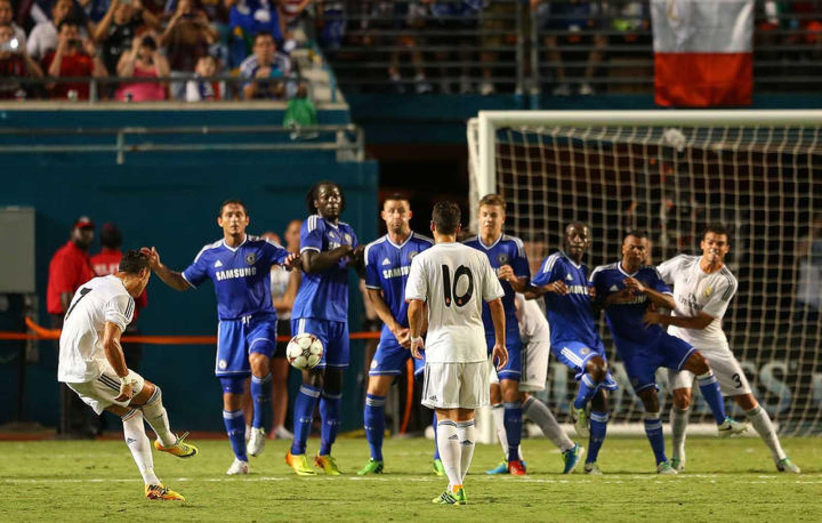 Fútbol | Real Madrid 3-1 Chelsea | El Real Madrid vence 3-1 al Chelsea de Mourinho con dos goles y exhibición de Cristiano Ronaldo - RTVE.es