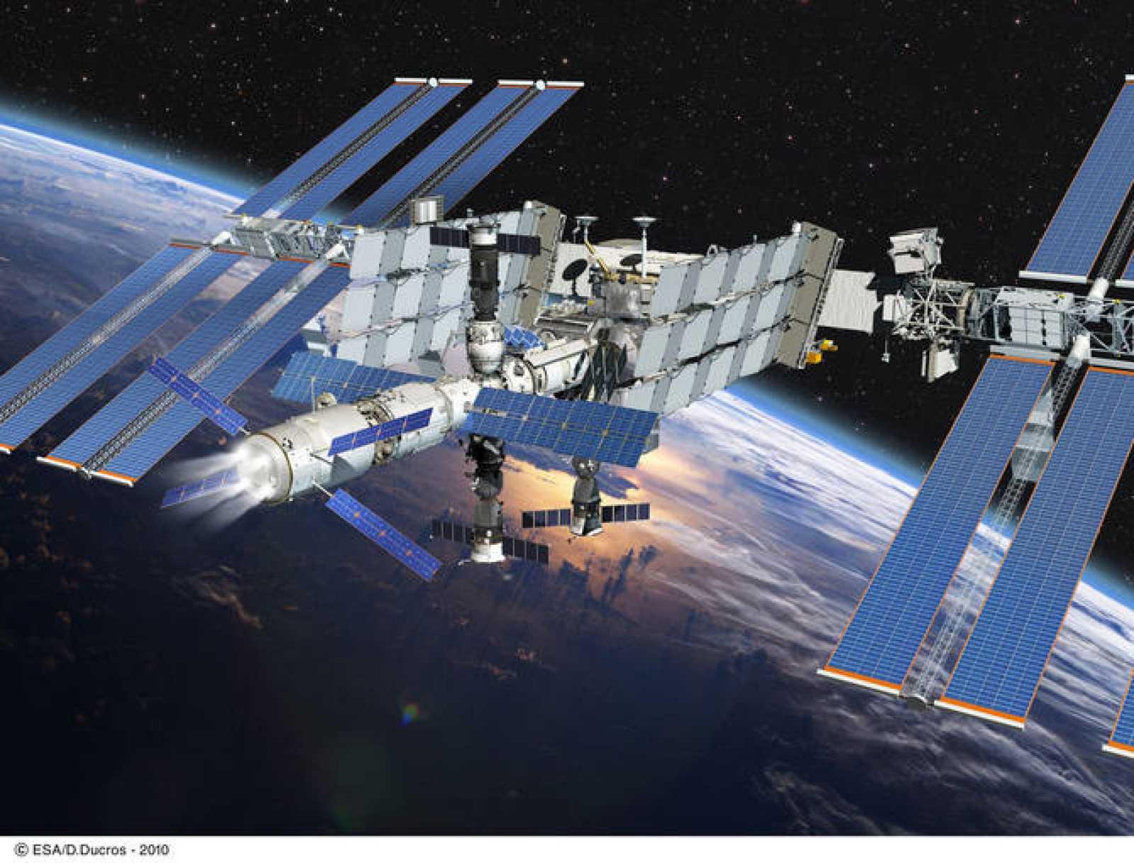 Impresión artística de un ATV durante una maniobra de aumento de altura de la órbita de la EEI