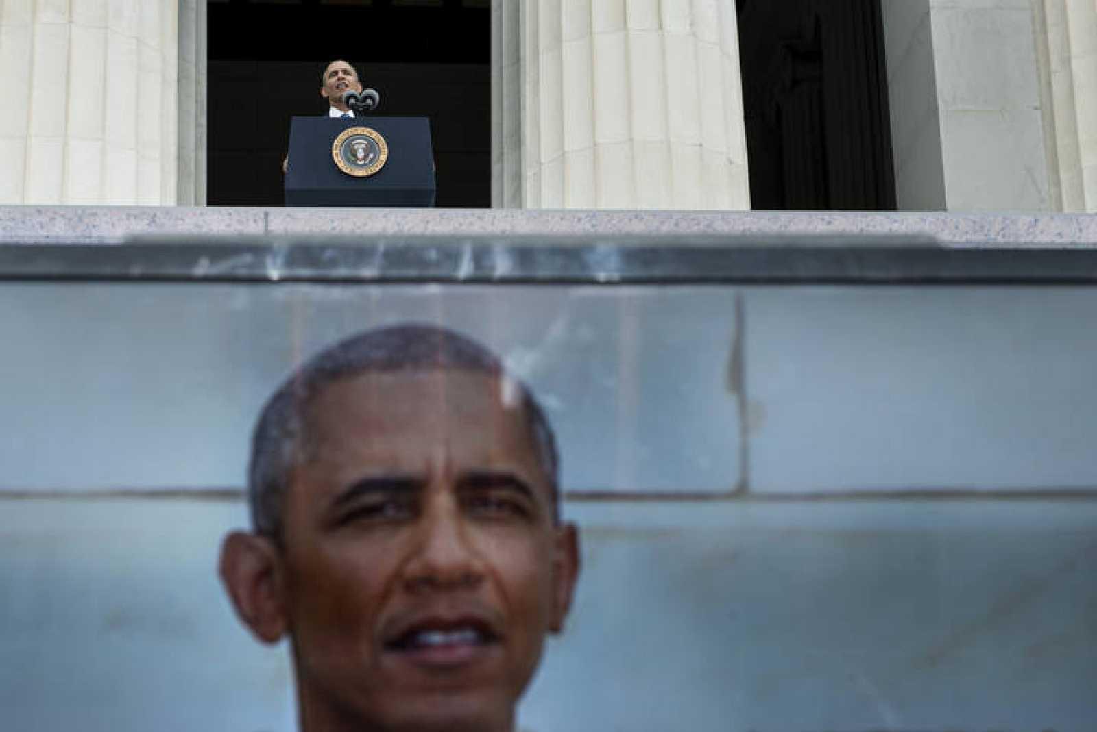 El presidente de EE.UU. sopesa la decisión de intervenir en Siria aunque sea sin el apoyo de Reino Unido.