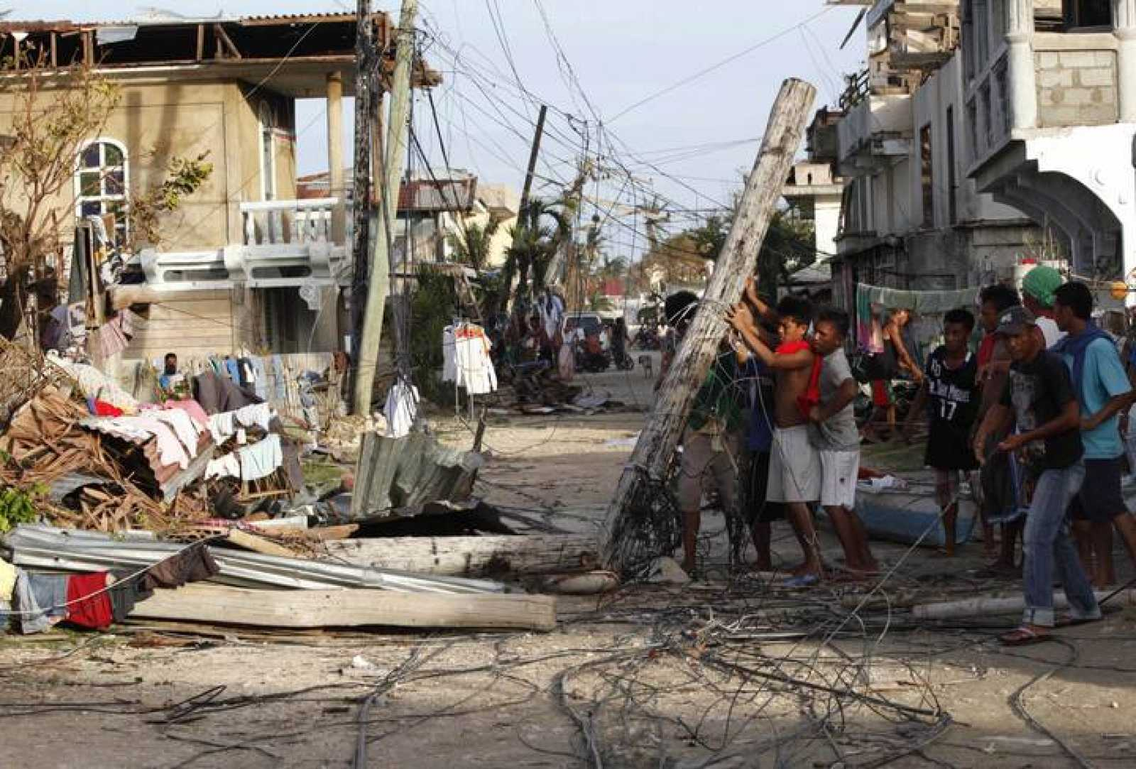 Filipinas, tras el paso del tifón Haiyan