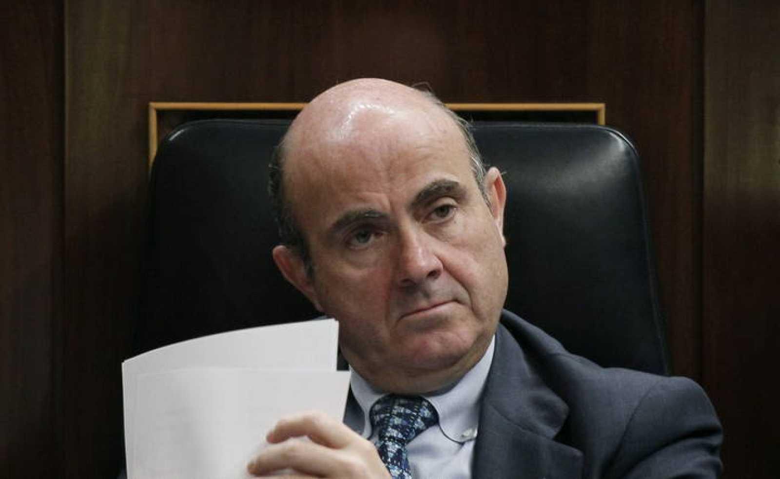 El ministro de Economía y Competitividad, Luis de Guindos, durante el Pleno del Congreso