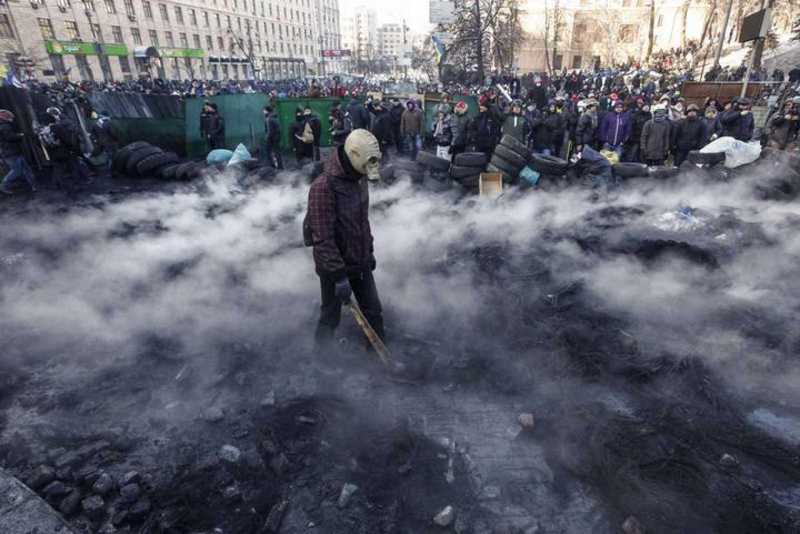 Manifestantes ucranianos han protagonizado violentos choques con la policía ucraniana.
