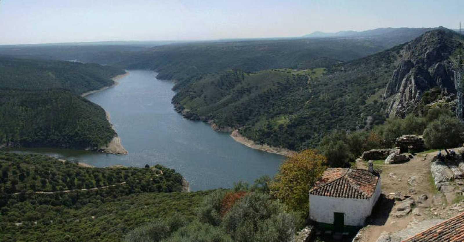 Vista del Parque Nacional de Monfragüe desde el castillo.