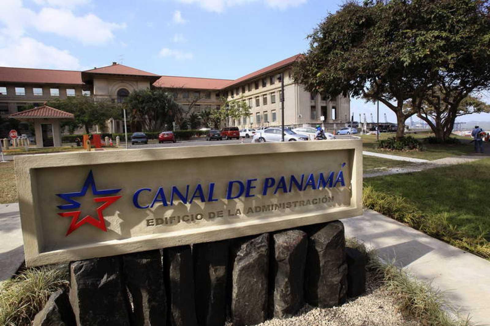 El edificio de la administración del Canal de Panamá en Ciudad de Panamá