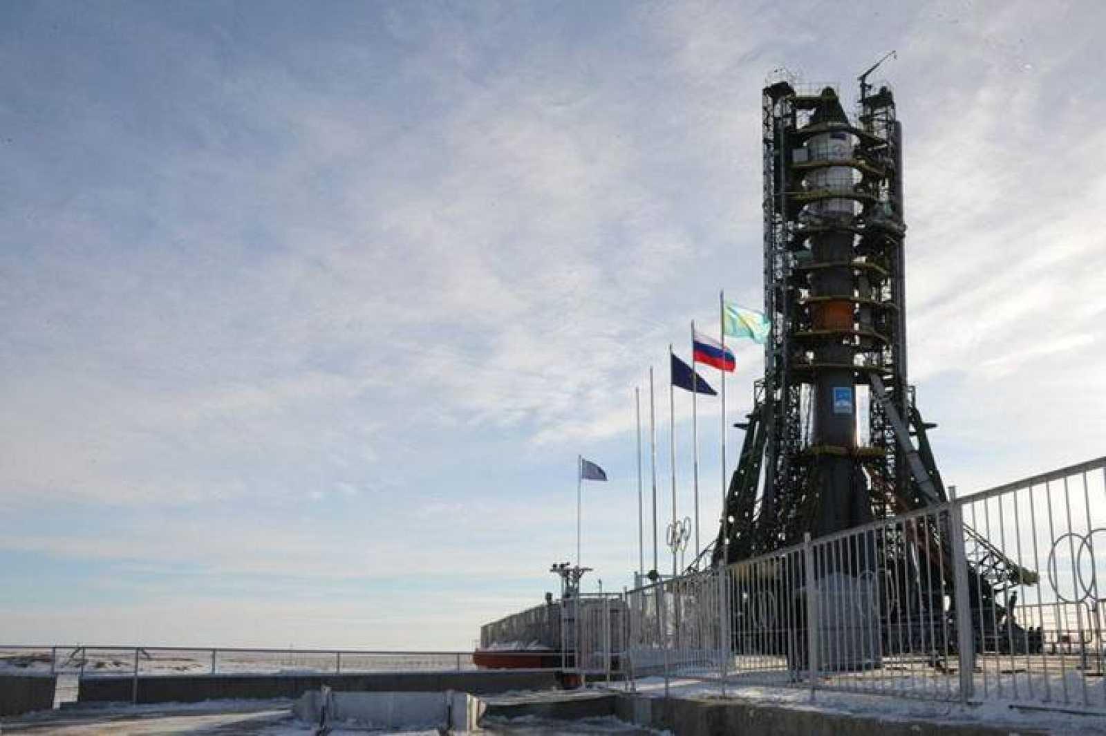La Progress M-22M lista para su lanzamiento en la rampa de lanzamiento número 1 del cosmódromo de Baikonur