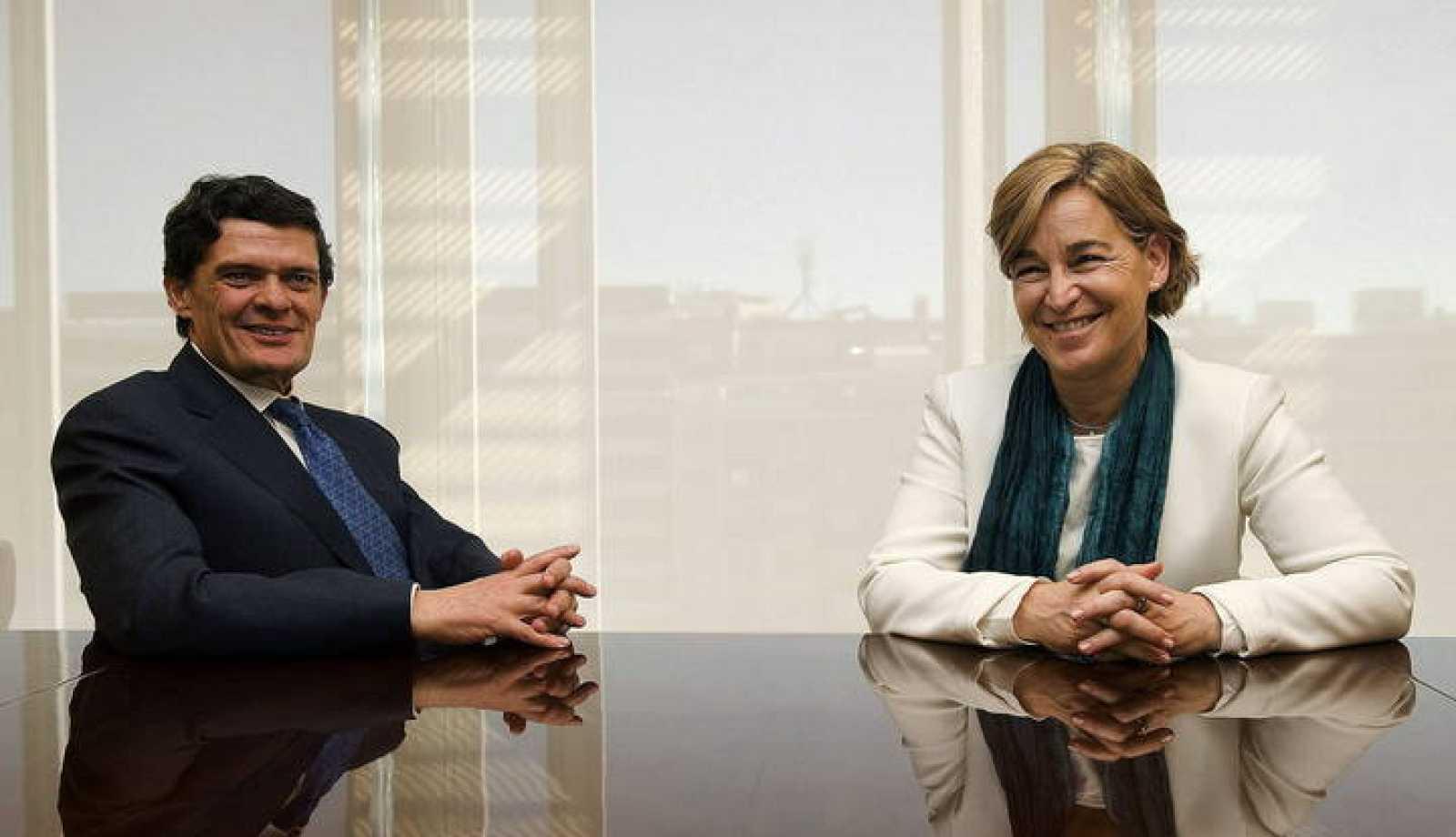 Fotografía facilitada por la Sareb de su presidenta, Belén Romana, junto a Jaime Echegoyen.
