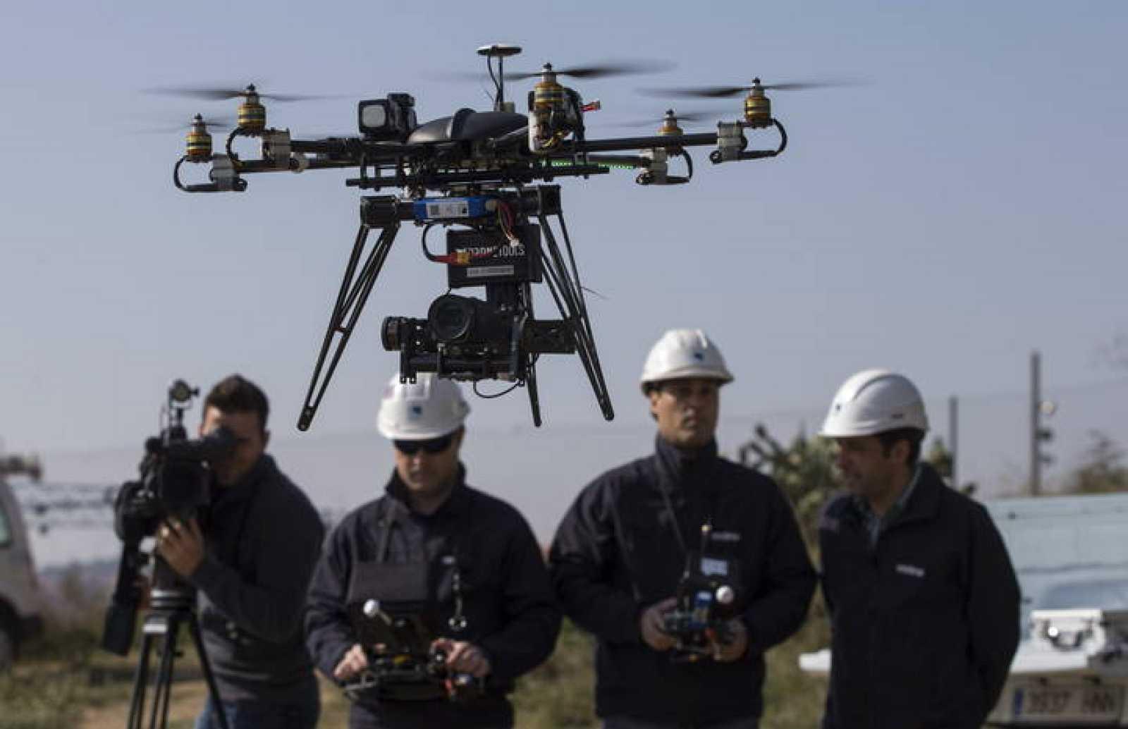 Presentación de los drones que Endesa utiliza para comprobar el estado de la red eléctrica.
