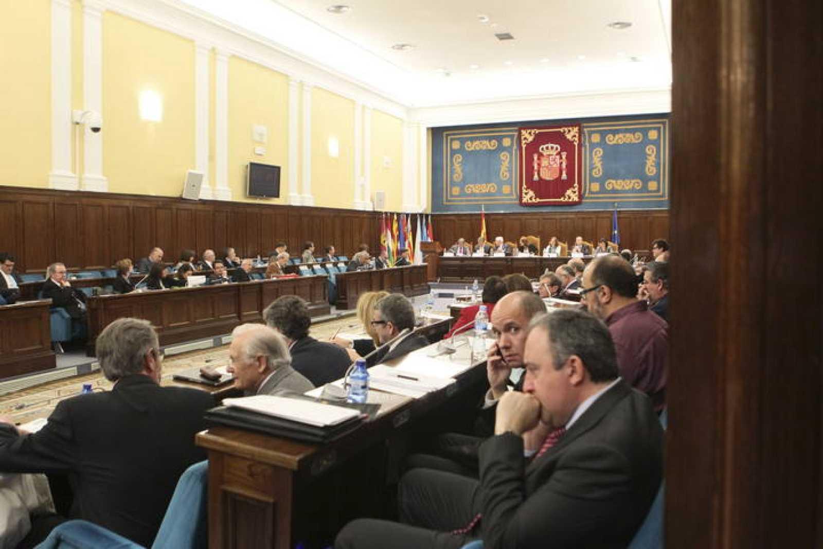 El Ministerio de Educación y los rectores de universidades mantienen sus discrepancias sobre el acceso a becas