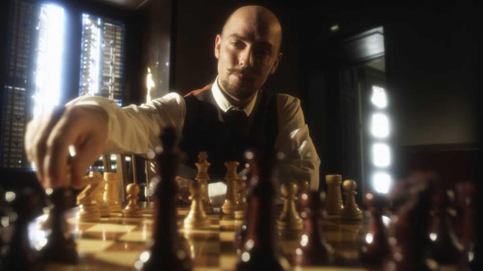 El inventor Julio Cervera, en una recreación del documental