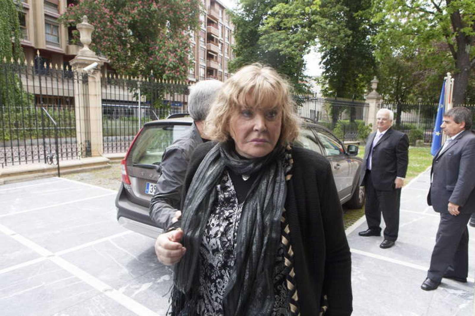 La jueza argentina María Servini a su llegada a la sede del Parlamento Vasco en Vitoria