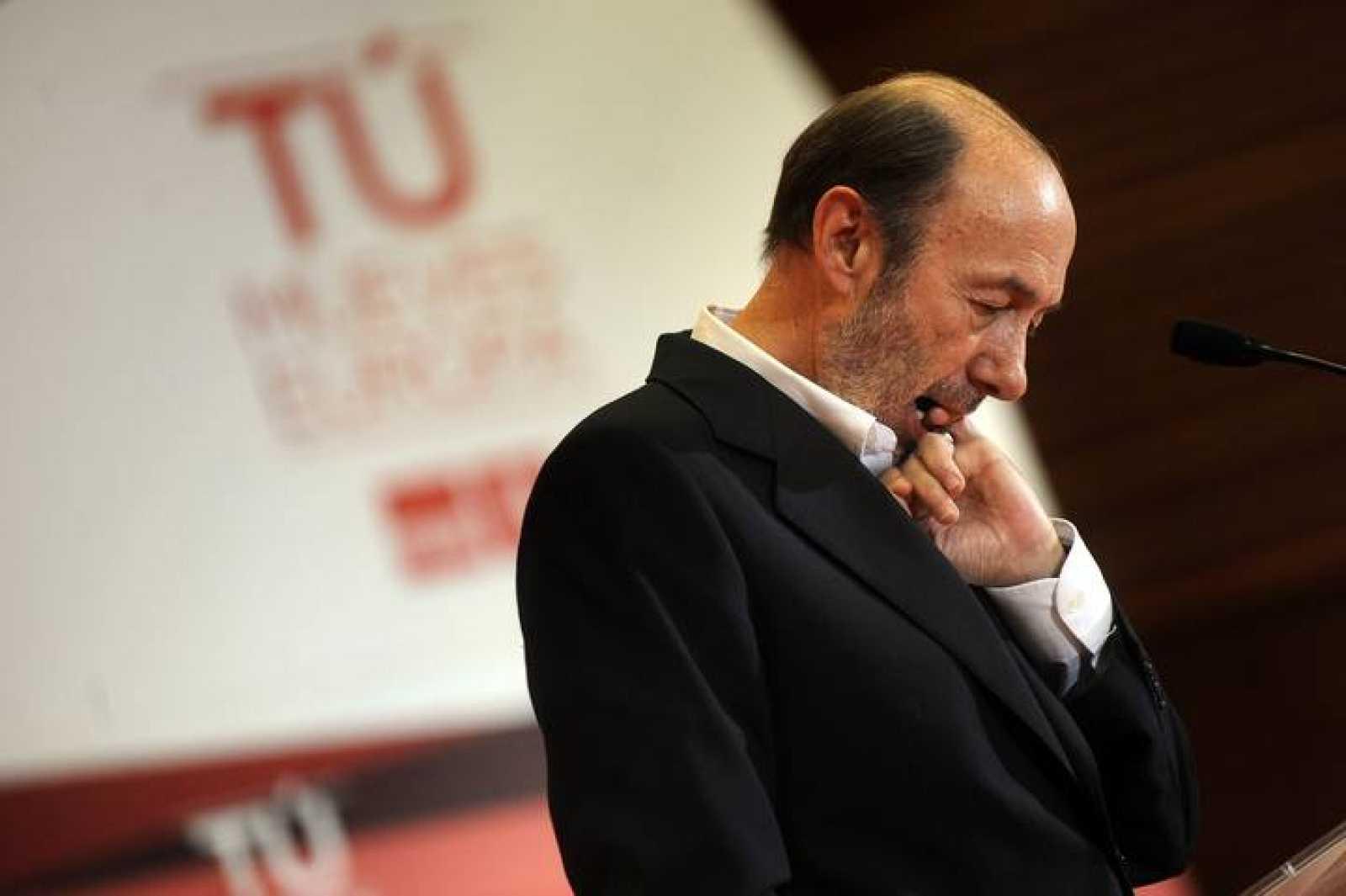 El secretario general del PSOE, Alfredo Pérez Rubalcaba, en un acto electoral en San Sebastián en la campaña de las europeas